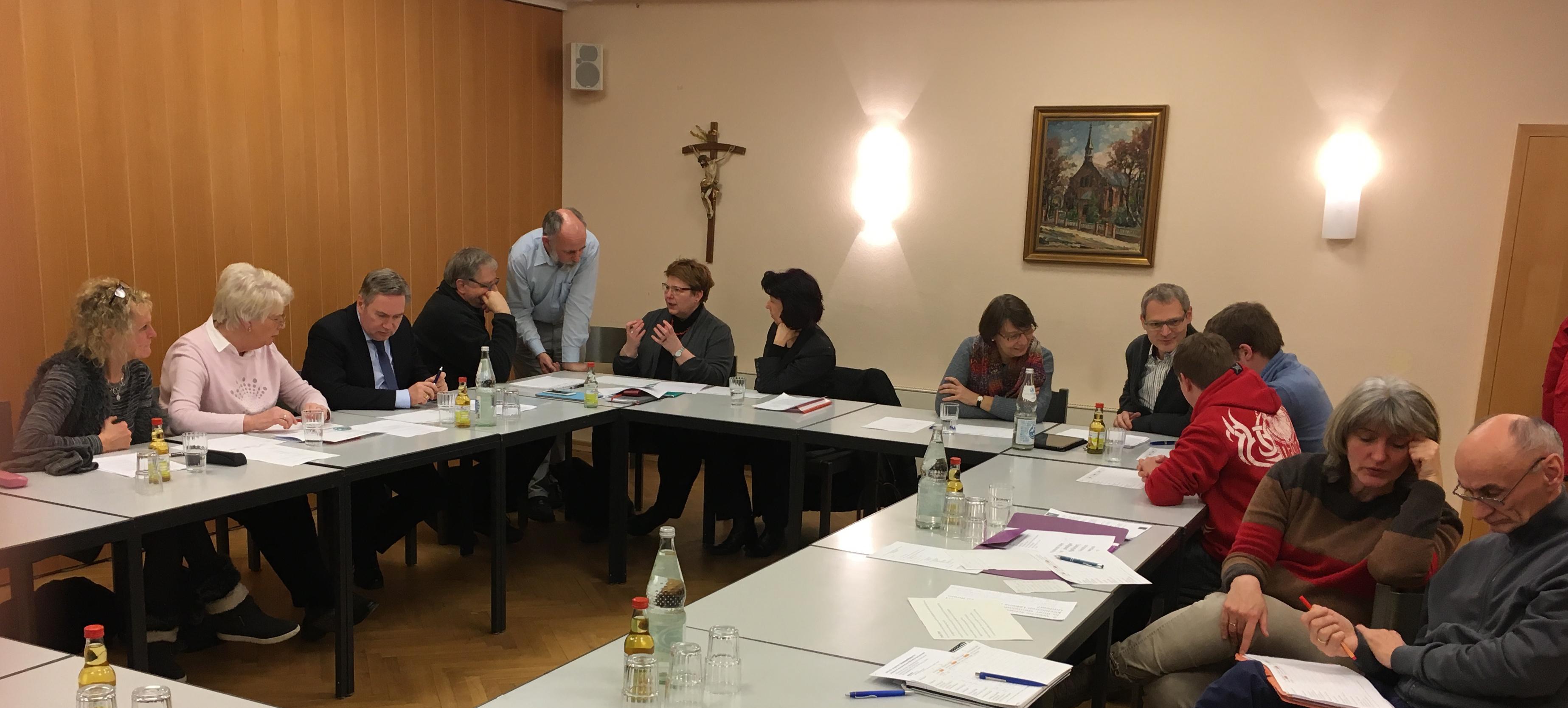 Diskussion über Schwerpunkthemen mit Gremienvertretern von St. Marien Bergedorf